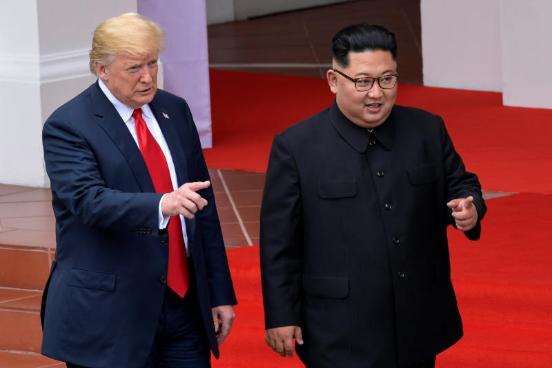 20180612 trump and kim pointng.jpg