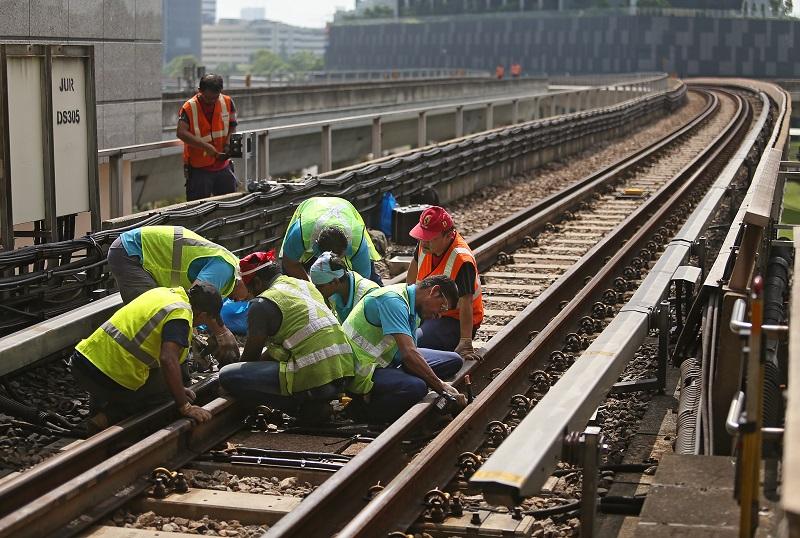 20180702-SMRT rail maintenance.jpg