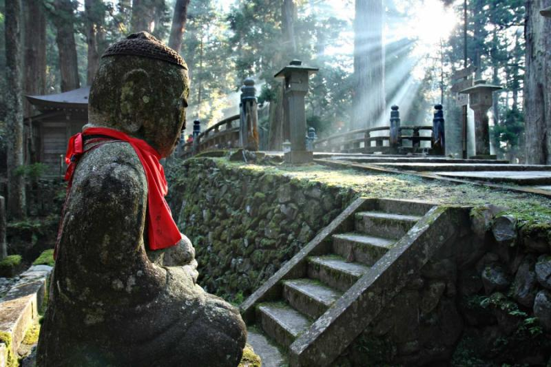 japan-mount-koya-cemetery.jpg
