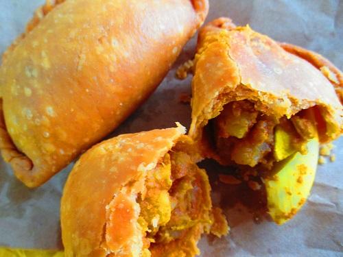 Rolina-curry-puff-4.jpg