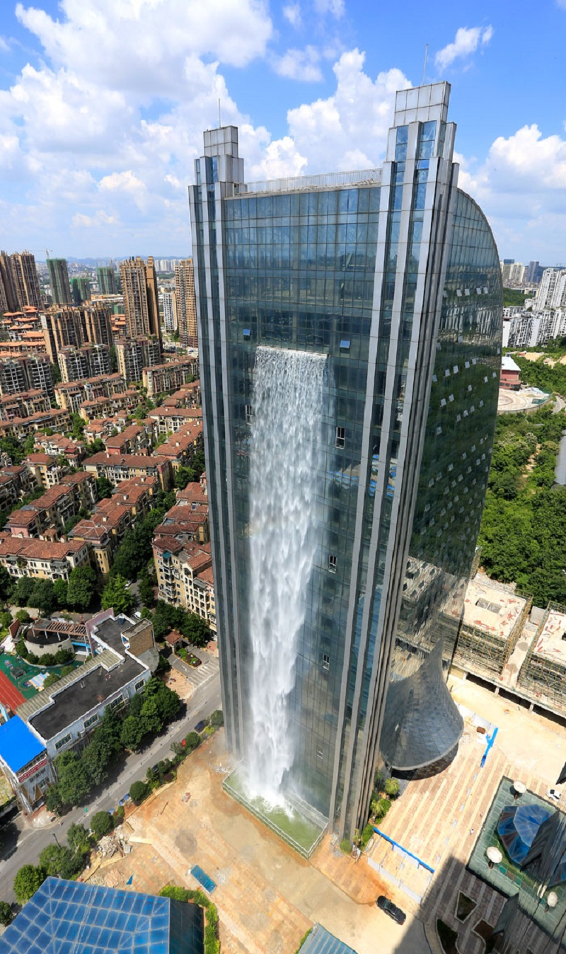 waterfall building02.jpg