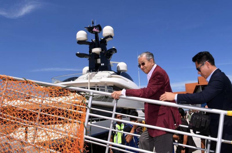 15082018 mahathir on yacht.jpg