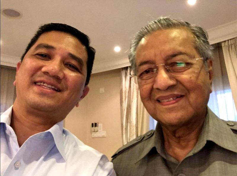 阿兹敏靠向马哈迪与安华决裂