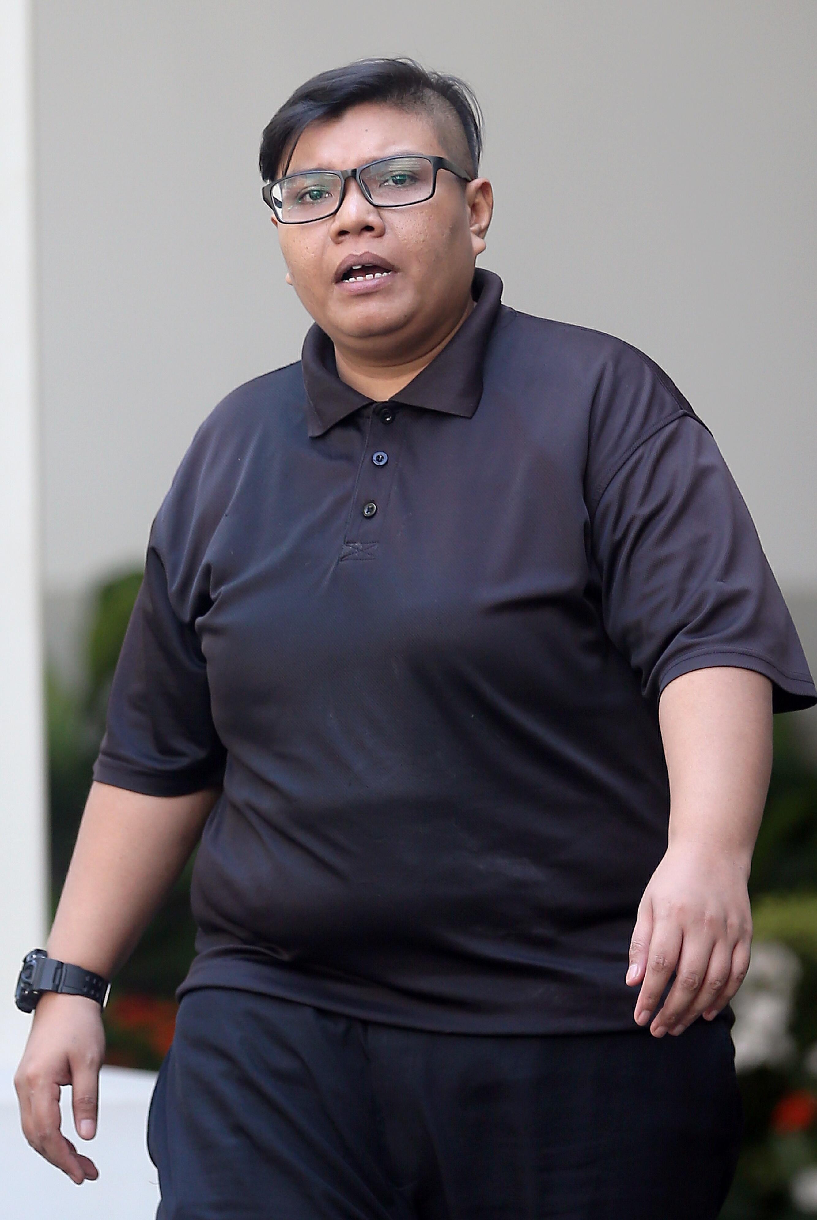 新加坡停车管理存在漏洞女停车管理员为交差竟一个月内连开30张罚单