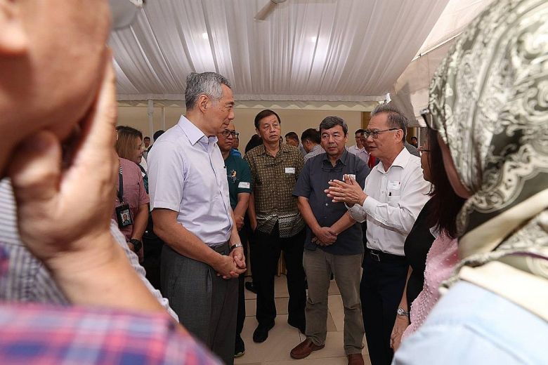 PM lee at kopi talk LHLFB.jpg