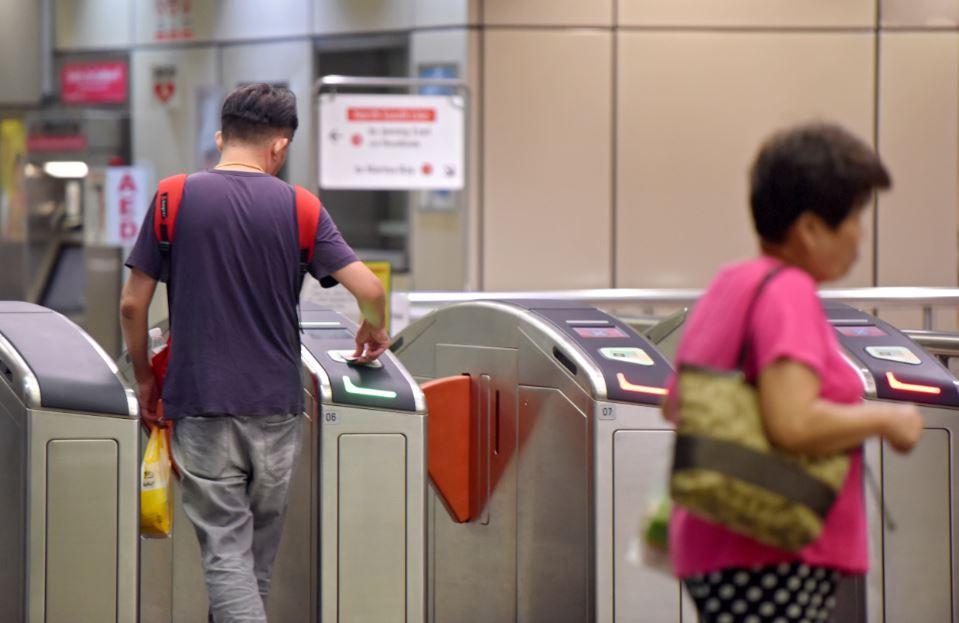 新加坡公共交通车资上涨4.3%(每趟6分)乘客是否为失准的公共交通规划埋单