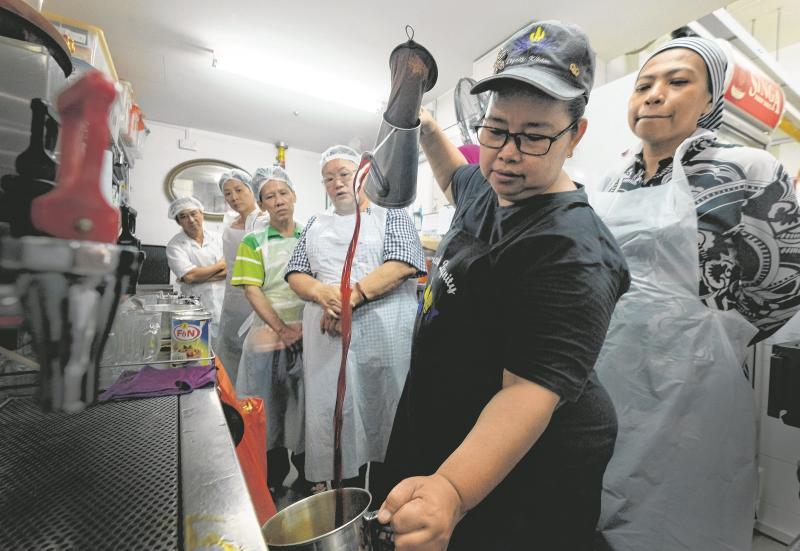 dignity kitchen08 teh tarik.jpg