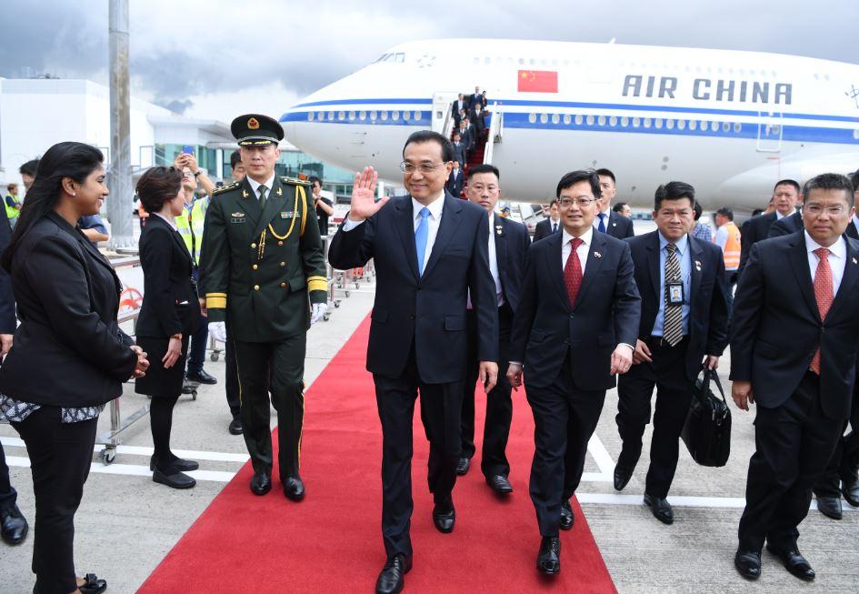 中国总理李克强抵达新加坡樟宜机场,展开对新加坡的正式访问