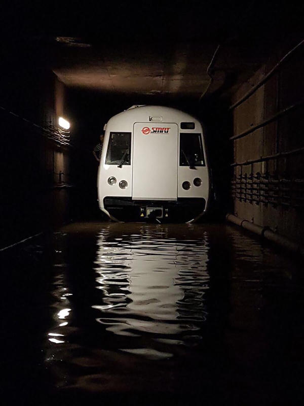 MRT train flooded ST.jpg