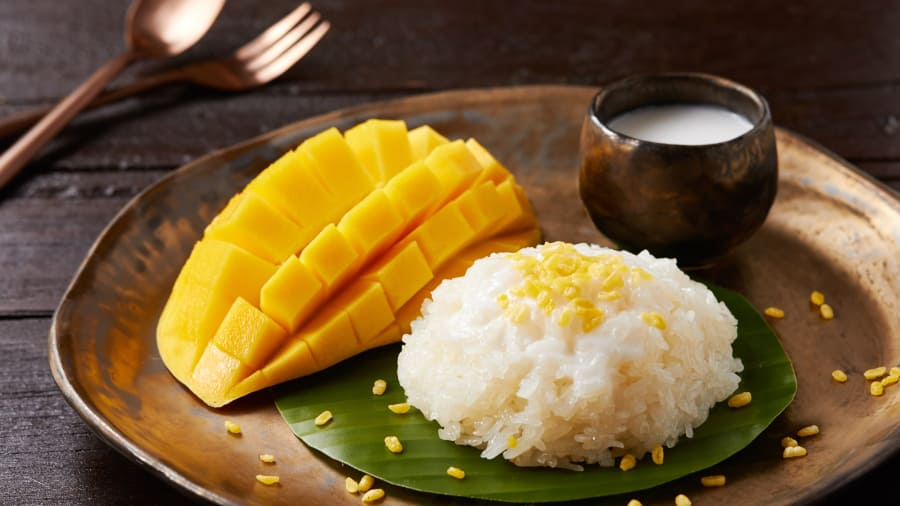 Sticky rice with mango.jpg