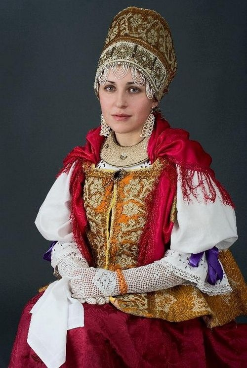 Russian lady in traditional costume.jpg