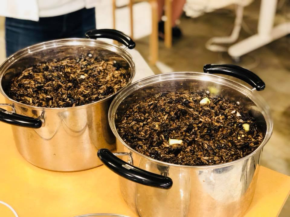 290119 ramen soup stock.jpg
