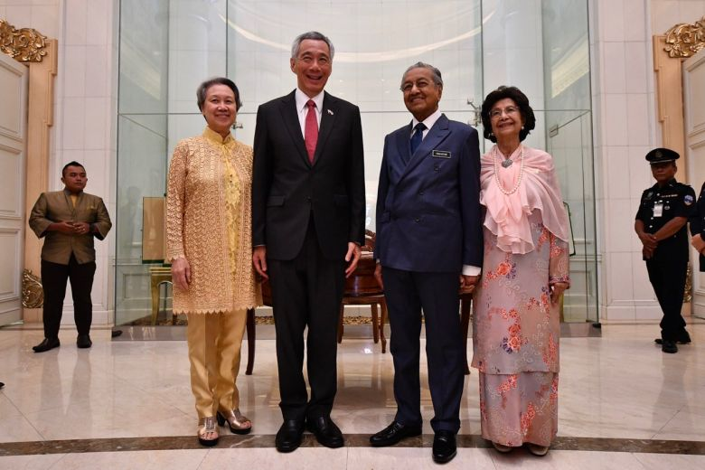 20190409 Spore and Msia PM and wife ST.jpg