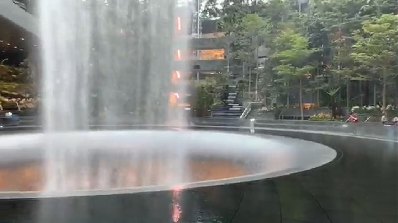 20190411-waterfall.jpg