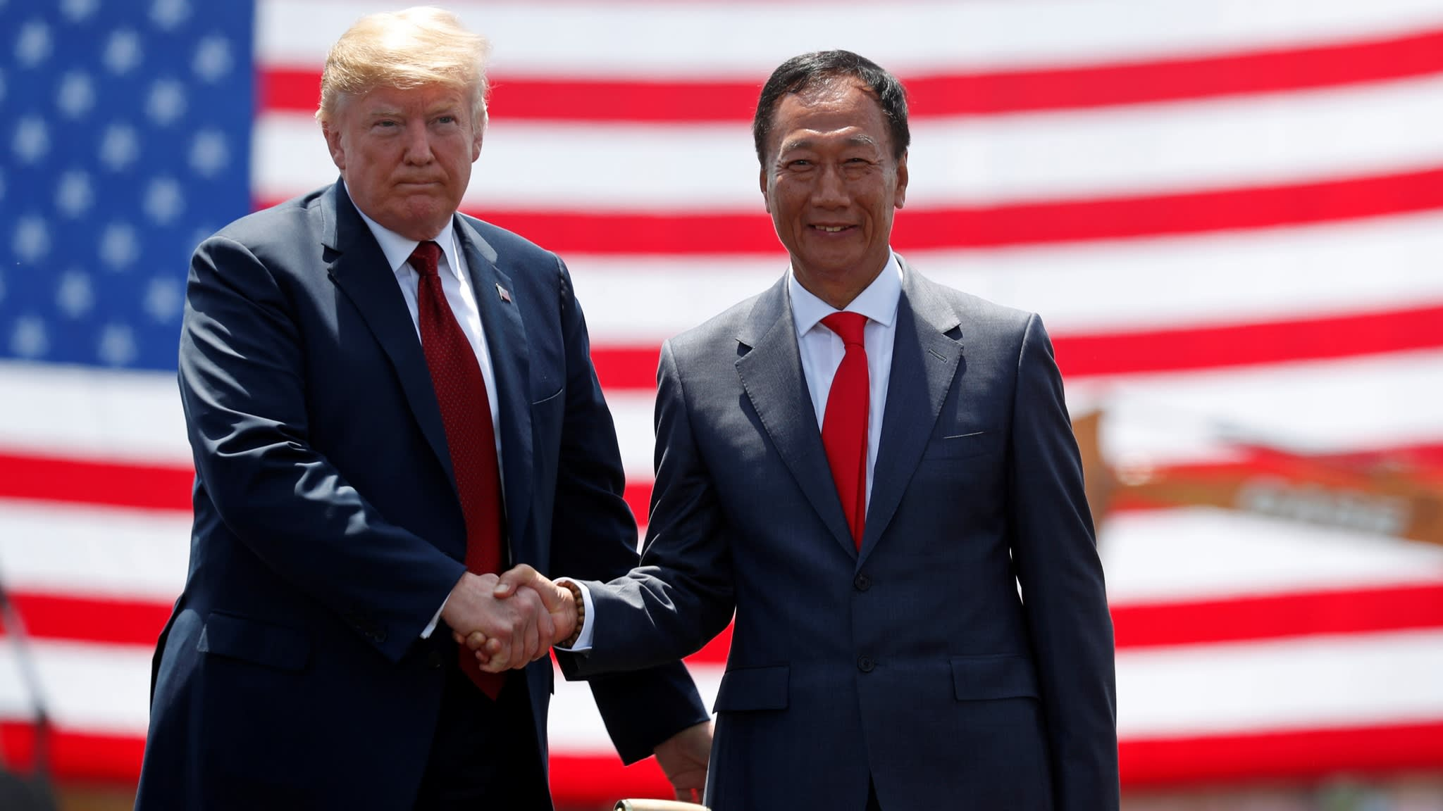 20190417 terry gou and trump reuteres.jpg