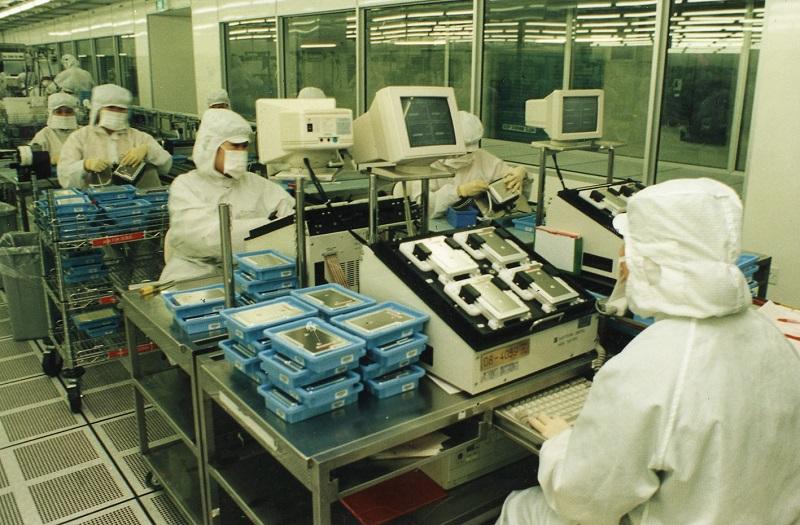 20190613-electronics01-ZB.jpg