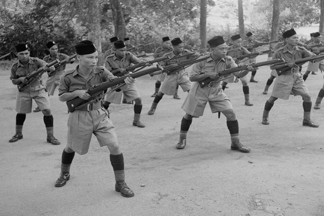 Men of the Malay Regiment training before the war. Imperial War Museum (FE414).jpg