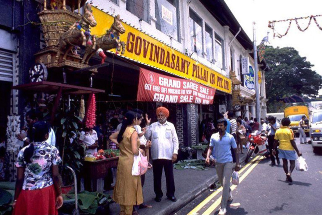 Saree sale advertised at the P. Govindasamy Pillai shop at Serangoon Road in 1987. (Image from National Archives of Singapore).jpg