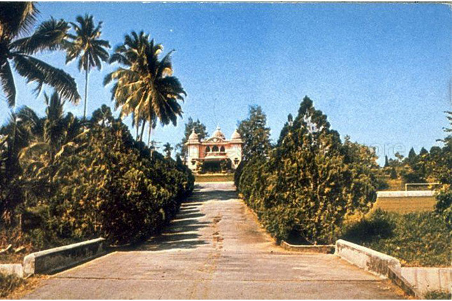 The Ramakrishna Mission Temple in Bartley Road in the 1950s. Govindasamy Pillai donated generously to the Ramakrishna Mission. (Image from National Archives of Singapore).jpg