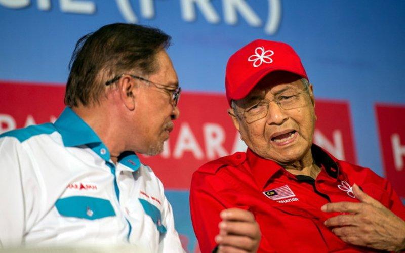 20190711 Anwar-Mahathir-Bernama.jpg
