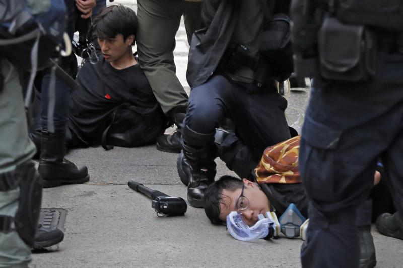20190813 HK protest detain AP.jpg
