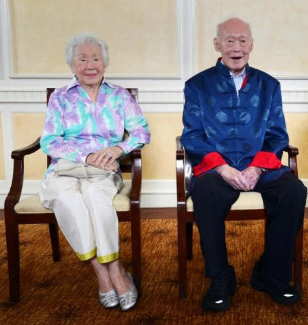 20191025-LKY and sister.jpg