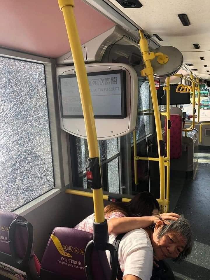 20191115 crashbus.jpg