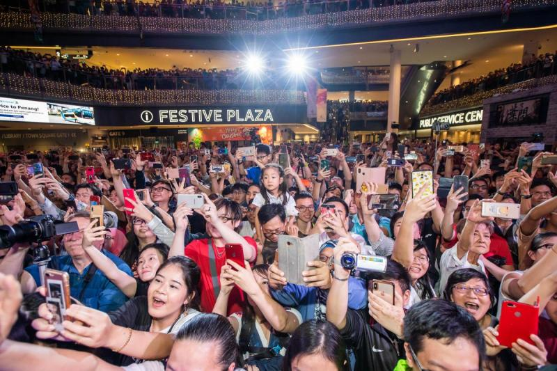 20191210-crowd02.jpg