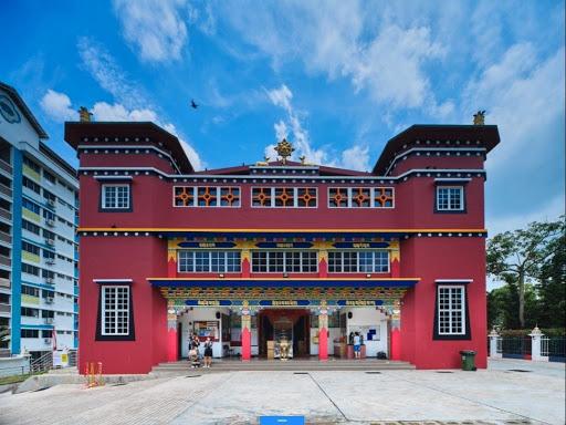 191230 藏族庙宇前面.jpg