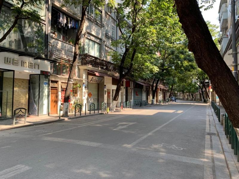 20200211-empty street old city.jpg