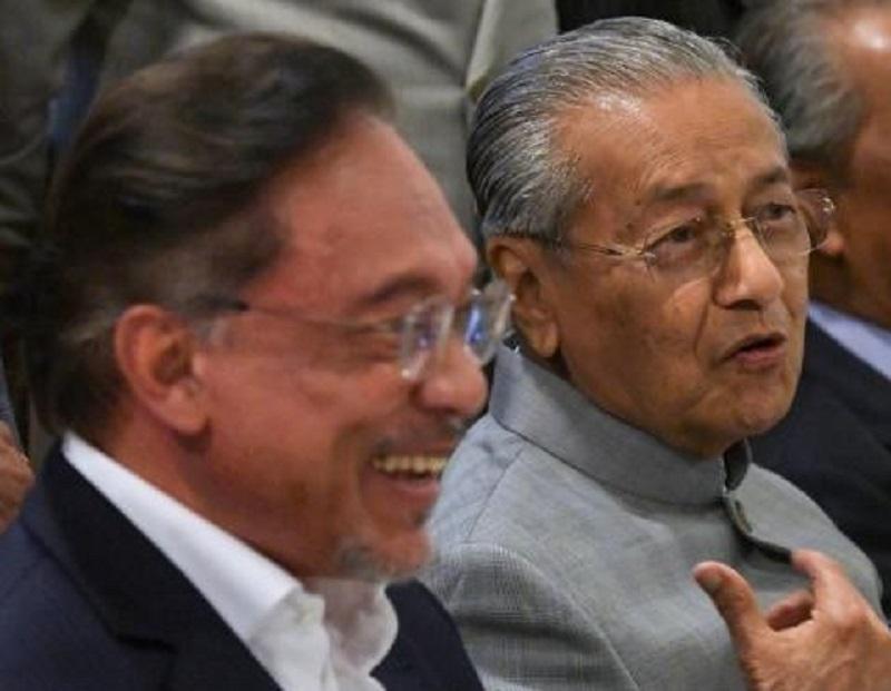 20200313-anwar and Mahathir.jpg
