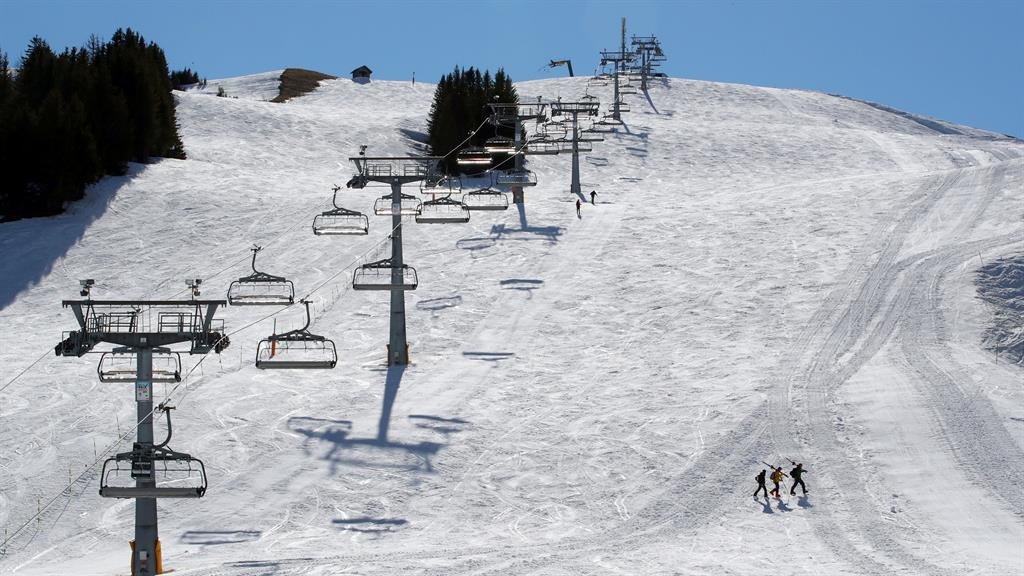 empty skiis switerland reuters 160320.jpg