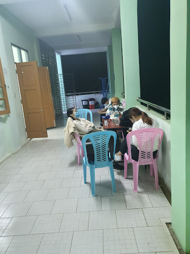 myanmar no social distancing 2503.jpg