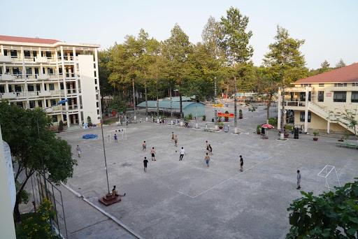 play soccer 2503.jpg