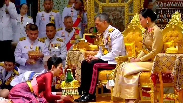 20210203 Thai-king-wife-and-consort.jpg