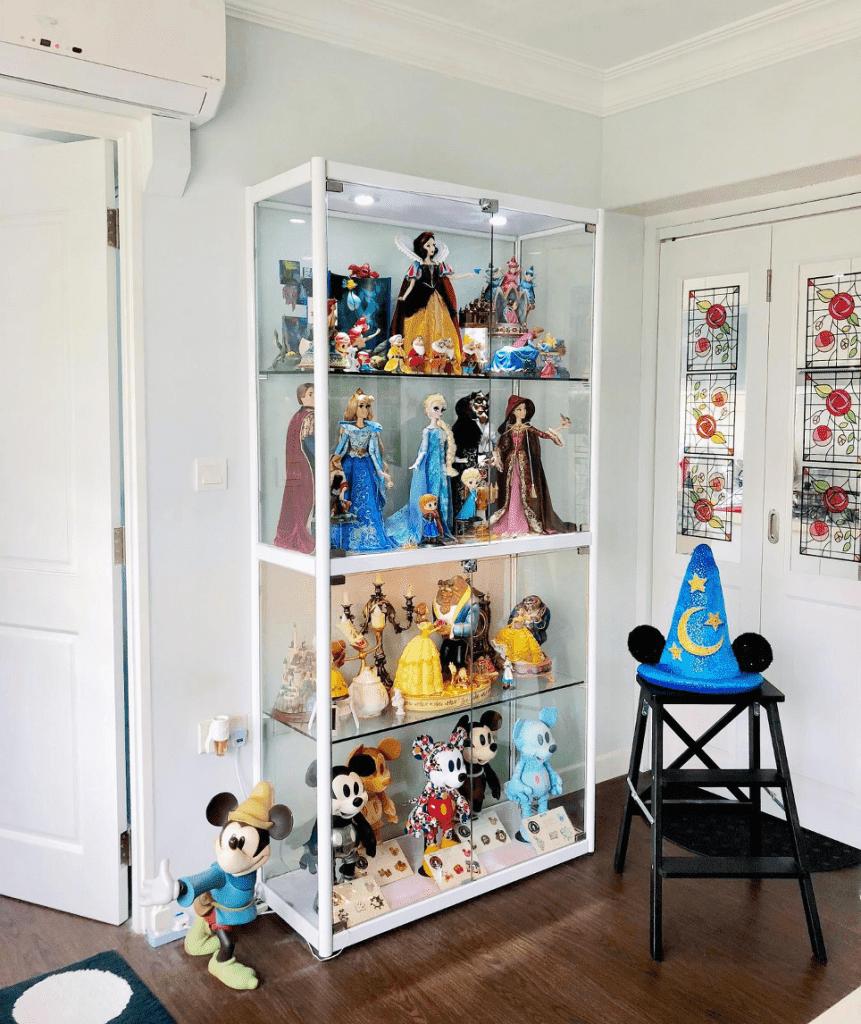 20210301-David-Disney-Shelf-861x1024.png