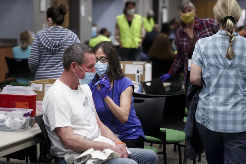 20210309-vaccination USA AFP.jpg