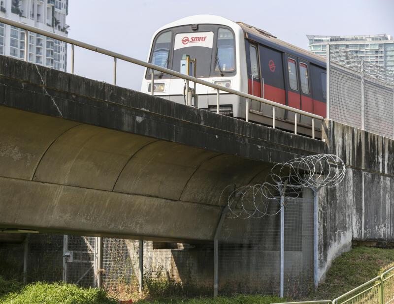 20210318-MRT track.jpg