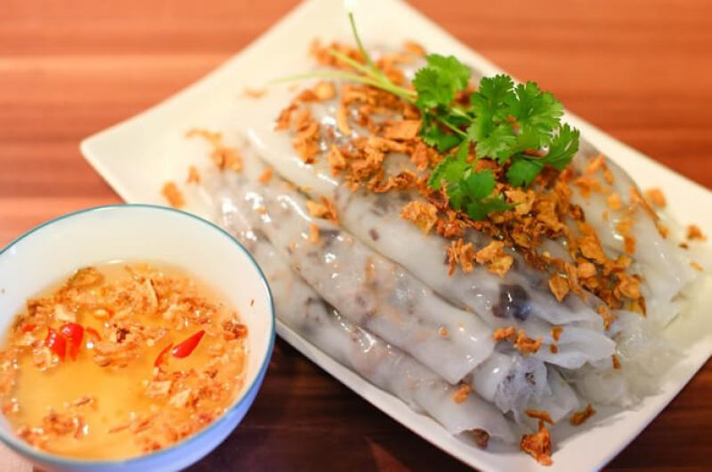 20210401-banh-cuon-vietnamese-food.jpg