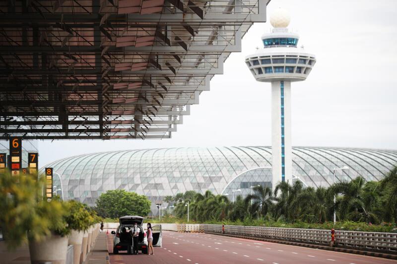 20210521 - Changi Airport Outside (ZB).jpg