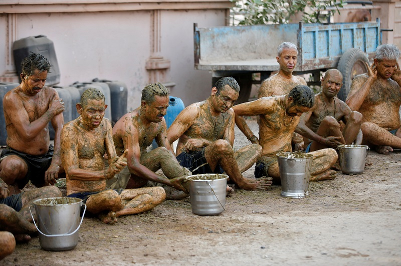20210525-cow dung therapy.jpg