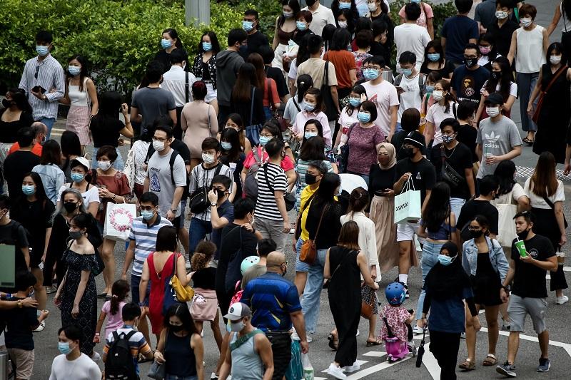20210714-orchard crowd.jpg