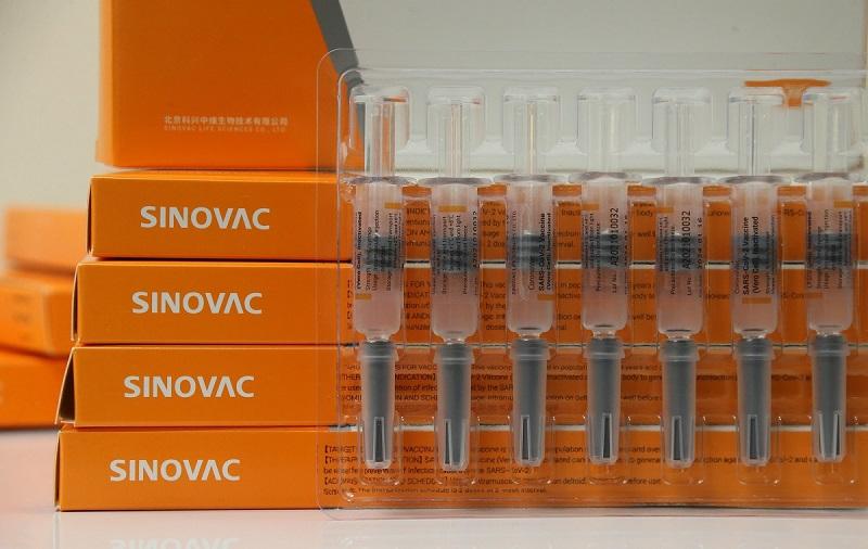 呼吁年长者先打第一剂mRNA疫苗