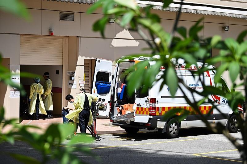 救护车送往医院