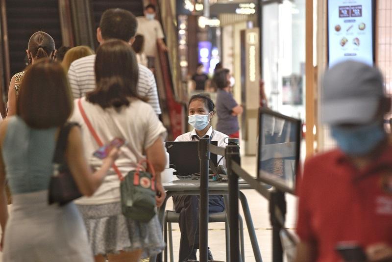 """未接种疫苗者10月13日起到冷气商场要""""看情形"""",如果为了到商场内诊所、牙医看医生可以酌情通融"""