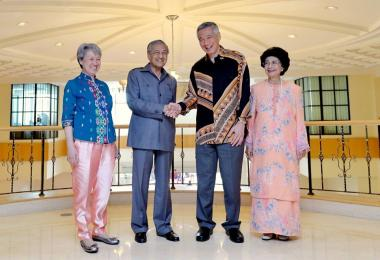 PM Lee meets Mahathir