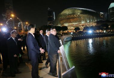 金正恩夜游新加坡。