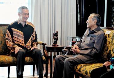 李显龙总理与马哈迪首相在5月19日于吉隆坡会面。(李显龙面簿)