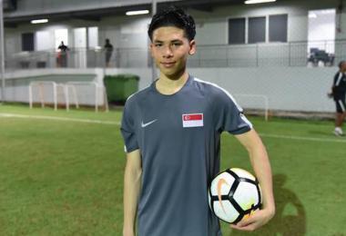 新加坡足球小将戴维斯。