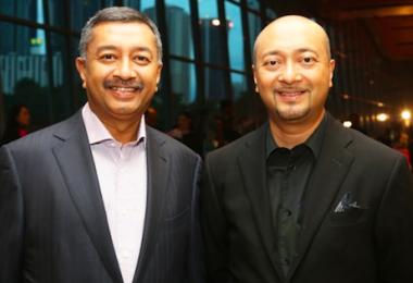 马哈迪的儿子莫扎尼(左)和慕克里兹。